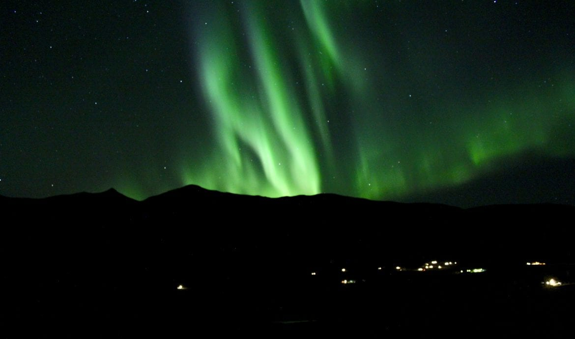 view nothern lights in iceland